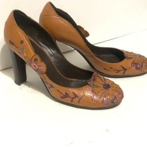 Apepazza Brown Leather Embroidered Flowers Heels